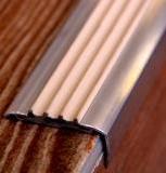 Фото Алюминиевый уголок с резиновой вставкой ЕВРОСТУПЕНЬ АУ50