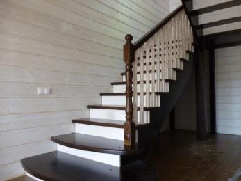 Лестница из премиального дуба на заказ Москва и МО
